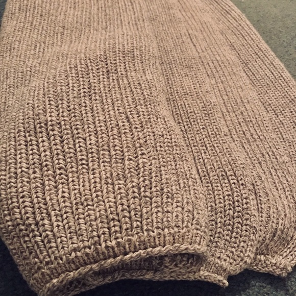 Heathered Knitted Fabric w/ Finished Edges